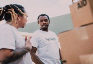 Como atrair voluntários para a sua causa social